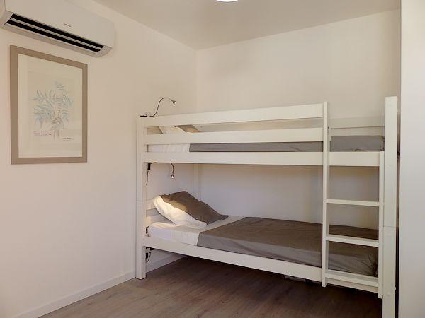 la chambre des enfants lits superposés